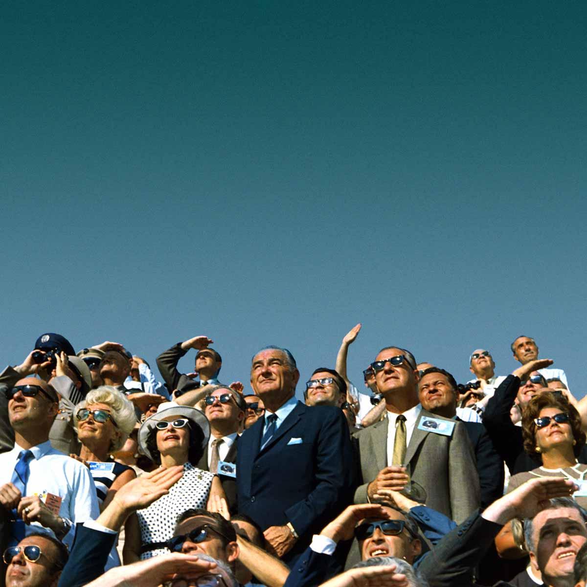 nasa crowds - HD1200×1200